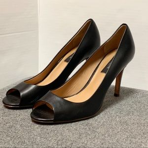 Anne Taylor Black Leather Peep Toe Wooden Heel 8